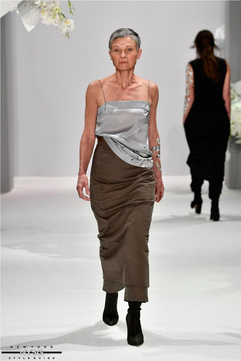 Mercedes benz fashion week australia 2017 runway show by for Mercedes benz fashion show
