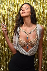 Victoria's Secret Angel Lais Ribeiro reveals the $2 Million 2017 Champagne Nights Fantasy Bra (6)
