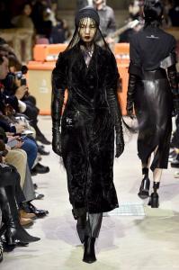Paris Fashion Week -Yang Li Runway Show Fall Winter 2018 Womenswear 23