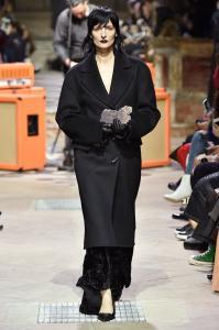 Paris Fashion Week -Yang Li Runway Show Fall Winter 2018 Womenswear 25