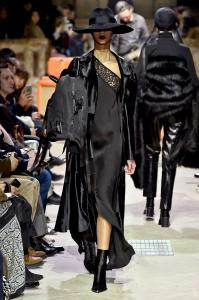 Paris Fashion Week -Yang Li Runway Show Fall Winter 2018 Womenswear 39