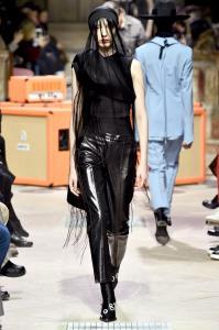 Paris Fashion Week -Yang Li Runway Show Fall Winter 2018 Womenswear 7
