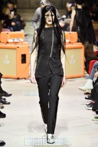 Paris Fashion Week -Yang Li Runway Show Fall Winter 2018 Womenswear 3